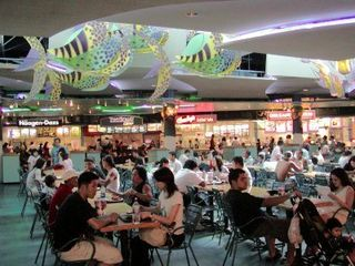 Ala_moana_center_food_court